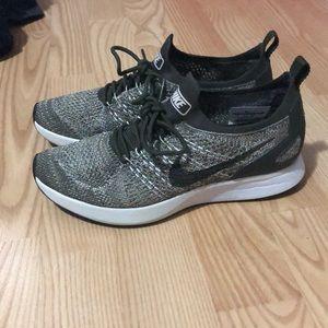 Women's 7 Nike sneakers... olive green.. like new